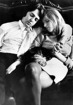 Paul McCartney and Linda McCartney Ringo Starr, George Harrison, John Lennon, Beatrice Mccartney, Linda Eastman, Paul Mccartney And Wings, Les Beatles, Beatles Songs, Sir Paul