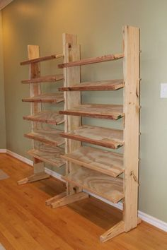 Homemade shoe rack Making Shoe Racks: 4 Steps (with Pictures) Using Art Prints With A Minimalist Hom Wood Shoe Rack, Diy Shoe Rack, Shoe Storage, Shoe Racks, Diy Storage, Homemade Shoe Rack, Homemade Shoes, Wood Projects, Woodworking Projects