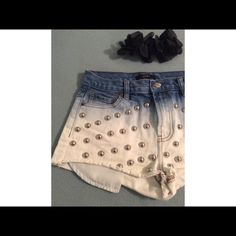 F21 ombre shorts Worn a couple times, they fit high waisted and are in excellent conditions Forever 21 Shorts Jean Shorts
