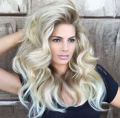 coiffure longue blonde mechee