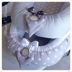 BLOOM N BLOSSOM SIMPLY BABY BABYNEST (sleeping pod MADE TO ORDER, lead time applies) ************************************************************************* A babynest resembles a pod that creates a cosy, close and safe environment for your little one. It's very practical and versatile as it can be used in multiple ways. It can be used as a crib or cot insert, which helps ease transition into sleeping in own bed. The babynest can also be used for co-sleeping, minimising the risk of…