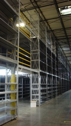Hybrid Rack/Shelving Systems Shelving Racks, Shelving Systems, Warehouse Pallet Racking, Industrial Wedding Venues, Pallet Storage, Warehouse Shelving, Racking System, Thesis, Layout