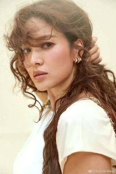 Song Hye-kyo (송혜교) - Picture @ HanCinema :: The Korean Movie and Drama Database Korean Beauty, Asian Beauty, Song Hye Kyo Style, Beatiful People, Short Girl Fashion, Korean Celebrities, Korean Actresses, Beautiful Actresses, Pretty Woman