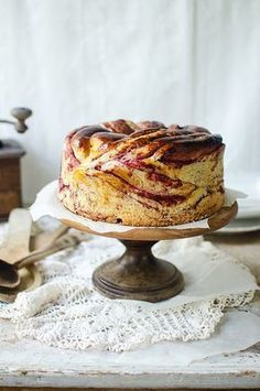 Mój nowy ulubiony przepis na ciasto drożdżowe! have to translate and I hope plums can substitute for dogwood but it looks good to me :) Polish Desserts, Polish Recipes, Cookie Desserts, Cookie Recipes, Dessert Recipes, Coffee Dessert, Sweets Cake, Homemade Cakes, No Bake Cake