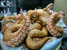 Funny pictures about Epic Octopus Cake. Oh, and cool pics about Epic Octopus Cake. Also, Epic Octopus Cake photos. Crazy Cakes, Fancy Cakes, Pasteles Cake Boss, Bolos Cake Boss, Cake Boss Cakes, Cake Icing, Cupcake Cakes, Dog Cakes, Brain Cupcakes