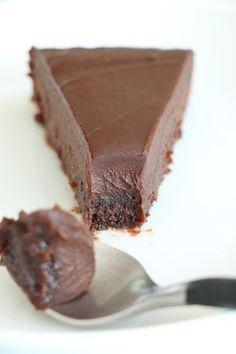 Kladdkaka med chokladkräm! Extremt god! Har gjort detta recept flera gånger! Alltid lika lyckat och älskat av alla! Rekommenderar att använda lite mörkare choklad mellan 60-80%
