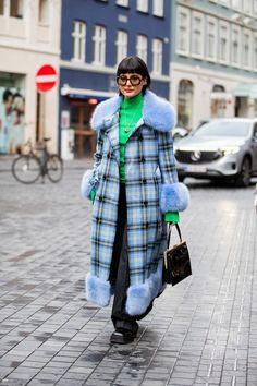 Maria Bernad seen wearing checkered coat, green turtleneck outside Blanche on Day 1 during Copenhagen Fashion Week Autumn/Winter 2020 on January 2020 in Copenhagen, Denmark. Get premium, high resolution news photos at Getty Images Star Fashion, Fashion Outfits, Girly Outfits, Fashion 2020, Casual Outfits, Copenhagen Style, Autumn Street Style, Uk Street Style, Cool Street Fashion