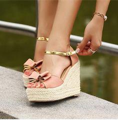 graceful Pure & Sweet Wedge Sandals