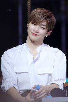 Korea Boy, Daniel K, Prince Daniel, Produce 101 Season 2, Kim Jaehwan, Kpop, Asian Boys, Boyfriend Material, Korean Singer