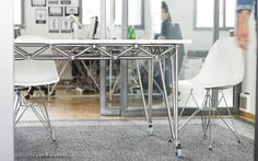 Büroraum Einrichtung für Start-Ups und Agenturen I Projekt simpleshow | System 180