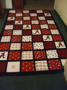I finally got the Alabama quilt for my almost SIL finished. IT was a big hit - he was really tickled with it. Quilting Board, Quilting Room, Lap Quilts, Panel Quilts, Scrappy Quilts, Quilting Tutorials, Quilting Projects, Sewing Projects, Quilting Ideas