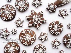 Vánoční perníčky recept a zdobení - Kreativní Techniky Christmas Gingerbread, Christmas Candy, Christmas Baking, Christmas Time, Beautiful Christmas Decorations, Diy Crafts For Kids, No Bake Cake, Frosting, Sweet Tooth