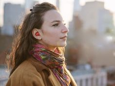 The Pilot earphones is a device that translates foreign languages in real time! The Pilot in-ear system created by Waverly Labs, translates in real time several… Mobile Technology, Wearable Technology, New Technology, Wearable Device, Educational Technology, Headset, New Earbuds, Wireless Headphones, Mobile World Congress