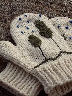 Ravelry: Nor'easter Mittens & Hat pattern by Katy Wight