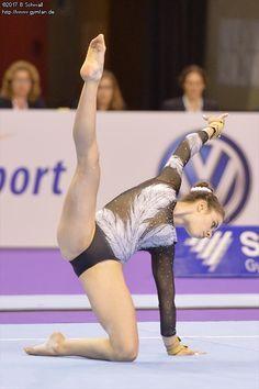 Deutsche Meisterschaften 2017 - Sally's Home Gymnastics Flexibility, Acrobatic Gymnastics, Sport Gymnastics, Artistic Gymnastics, Gymnastics Floor, Gymnastics Costumes, Gymnastics Photography, Gymnastics Pictures, Gymnastics Leotards