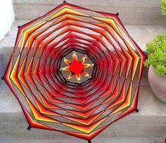 Eye Mandala, Mandala Art, Diy Wall Art, Diy Art, Yarn Crafts, Diy And Crafts, God's Eye Craft, Diy Dream Catcher Tutorial, Gods Eye