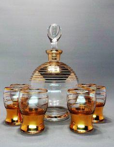 Conjunto de Decanter e Copos para Licor Em Vidro Com Detalhes Pintados à Ouro. França, 1950's