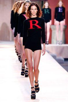 Confira o desfile de primavera-verão 2017 de Sonia Rykiel que rolou na Semana de Moda de Paris