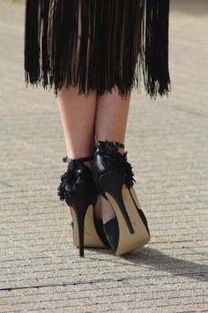 Black shoes in satin with Glitter flowers