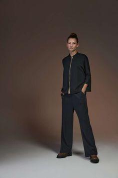 Die neuen Outfits von Soldout sind jetzt online! Viel Spaß beim stöbern 🤗 Casual Styles, Shops, Neue Outfits, Normcore, Trends, Design, Fashion, Fashion Women, Moda