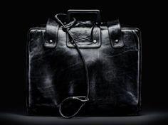 La valigia nera che segue sempre il Presidente degli Stati Uniti è l'arma più potente di sempre. Ecco che cosa contiene e come può scatenare la fine del mondo.
