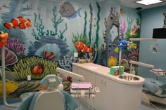 Where oh where is Nemo? This dental wall design is a great idea to keeps the kids' minds occupied on anything else except what the dentist is about to do to them!