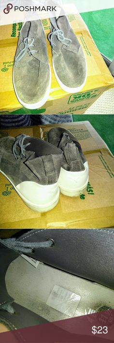 Mens Puma midtop Chukka boot shoe Your will be stylin in these.  Average wear. Brown suede chukka. Puma Shoes Chukka Boots