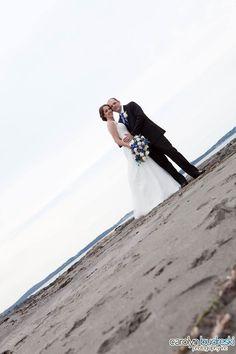 Beach and destination wedding photo idea Professional Photography, Real Weddings, Photo Ideas, Destination Wedding, Wedding Photos, Wedding Photography, Poses, Wedding Dresses, Unique