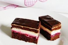 Sumski kolac - kombinacija najfinijih sastojaka - My site Brze Torte, Kolaci I Torte, Baking Recipes, Cookie Recipes, Dessert Recipes, Food Cakes, Cupcake Cakes, Torta Recipe, Raw Cake