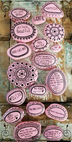 Salutation on stones 😄😃😀 diy painting, rock art painting, rock painting designs Stone Crafts, Rock Crafts, Diy And Crafts, Crafts For Kids, Arts And Crafts, Crafts With Rocks, Homemade Crafts, Kids Diy, Summer Crafts