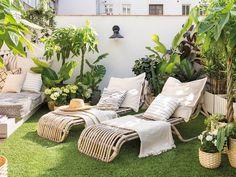 Une terrasse parfaitement aménagée à lesprit nature - PLANETE DECO a homes world Balcony Design, Patio Design, Ideas Terraza, Patio Decorating Ideas On A Budget, Patio Ideas, Porch Decorating, Yard Ideas, Patio Interior, Outdoor Furniture Sets