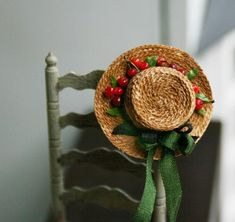 Handamde Straw hat with cherries! the round one cm. Used materials: cotton, polymer clay, paper. Barbie Accessories, Anne Of Green Gables, Miniture Things, Sewing Notions, 3 In One, Miniature Dolls, Dollhouse Miniatures, Straw Bag, Polymer Clay