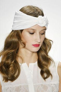 Have a nosey at these quick summer hair fixes and get ready to win the spotlight! From simple, timeless ponys and chignons to fab accessories, these styles will see you through hectic and bad hair days! Summer Hairstyles, Pretty Hairstyles, Easy Hairstyles, Casual Hairstyles, Turbans, Hair Fixing, Hair Reference, Dark Blonde, Bad Hair Day
