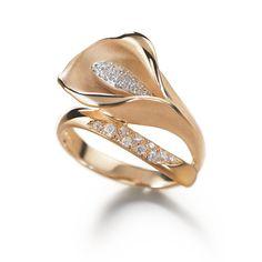 Ring | Annamaria Cammilli. 'Calla' Orange gold set with diamonds.