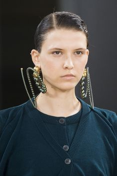 Y Project at Paris Fashion Week Spring 2018 - Details Runway Photos Trendy Fashion Jewelry, Fashion Jewelry Necklaces, Jewelry Art, Fashion Accessories, Fashion Ring, Jewelry Accessories, Jewellery, Big Earrings, Simple Earrings