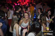 Silent Disco Party Leise disco rucksack disco mieten http://www.247disco.de / Telefon-Nr. 015739275975. silent disco, silent party, silent noise, 247rucksackdisco, disco, silent disco headphones, Kopfhörerparty, headphone party, silent club,  247 stille disco, leise disco, silence disco, silentdisco. Dazu kommen noch einige weitere Vorteile der Silent Disco, das Absetzen der Kopfhörer. Einfach runter damit und es herrscht Ruhe, auch Unterhaltungen werden so bei lautester Musik wieder…