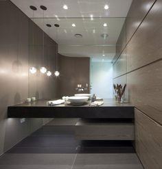 luminaire salle de bain moderne: suspension et spots