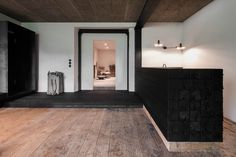 destilat Design Studio designed a stunning modern lounge in the former workshop of a historical Alpine chalet in Tyrol, Austria. Wooden Flooring, Hardwood Floors, Steel Girder, Old Wooden Chairs, Chalet Design, Journal Du Design, Interior Architecture, Interior Design, Modern Lounge