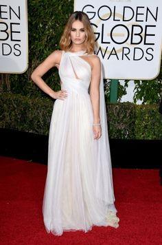 Inspiração para madrinhas e noivas, direto do Red Carpet do Golden Globe Awards 2016. Lily James veste Marchesa.