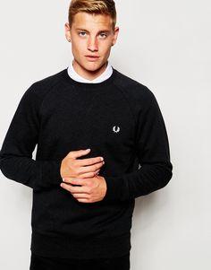 Sweatshirt von Fred Perry Sweatshirt-Stoff Rundhalsausschnitt Logostickerei gerippte Abschlüsse reguläre Passform - entspricht den Größenangaben Maschinenwäsche 100% Baumwolle Unser Model trägt Größe M und ist 185,5 cm/6 Fuß, 1 Zoll groß