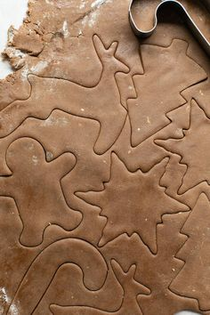Gingerbread cookie Peanut Butter Blossom Cookies, Ginger Cookies, Sugar Cookies, Gingerbread Decorations, Gingerbread Cookies, How To Make Gingerbread, Christmas Entertaining, Cranberry Recipes, Cut Out Cookies