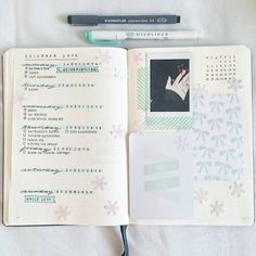 And I finally made my current weekly spread. I was just so unmotivated and wanted to sew all day long! ✂💓 #bulletjournaling #bulletjournal #bulletjournaljunkies #bujo #bujojunkies #bujocommunity #bujolove #plannerlove #planning #plannercommunity #planner #planneraddict #studying #study #studyblr #studygram #studyguide #notetaking #productivity #listmakers #stationaryaddict #stationary #journal #journaling