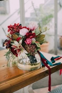 Beautiful Bouquets, Floral Bouquets, Strands, Bridal Style, Glass Vase, Things To Come, Velvet, Colours, Bright