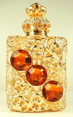 Gold Tone Filigree Vintage Vanity Perfume Bottle W / 3 Red Stones Perfume Atomizer, Antique Perfume Bottles, Vintage Perfume Bottles, Bottles And Jars, Glass Bottles, Perfumes Vintage, Lovely Perfume, Glas Art, Mellow Yellow