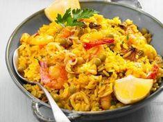 riz, oignon, poivron rouge, cube de bouillon, eau, ail, tomate concassée, fruit de mer, chorizo, huile d'olive, sauce pimentée, vin blanc...