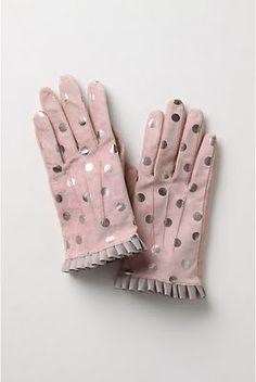 Vintage pink polka dot gloves...oh, my word<3