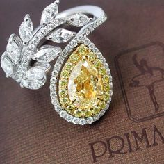 Fancy light yellow diamond 1.74 ct. ( VS1/GIA ) # ละเอียดทุกมุมมอง และเพชรหยดน้ำอันทรงเสน่ห์ : )