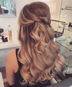 Wedding Hairstyles Half Up Half Down 39 Gorgeous Half Up Half Down Hairstyles - Fabmood Long To Short Hair, Braids For Long Hair, Fancy Hairstyles, Bride Hairstyles, Gorgeous Hairstyles, Bridal Hairstyles Down, Prom Hairstyles For Long Hair Curly, Bridesmaid Hairstyles, Updo Hairstyle