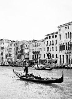 Venice Italy by Gondola - Entouriste Black And White Picture Wall, Black And White City, Black And White Landscape, Photo Black, Black And White Pictures, White Aesthetic Photography, City Photography, Black And White Photography, Landscape Photography