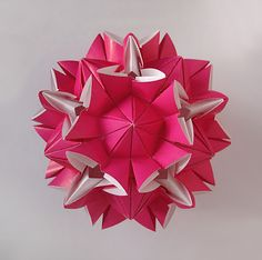 Origami Maniacs: Amaryllis Kusudama By Miyuki Kawamura